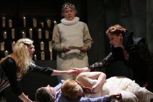 Melody Bates as Lady Montague, Per Janson as Romeo, Rachel Murdy as Escalus, Juliet, and Yvonne Roen as Lady Capulet